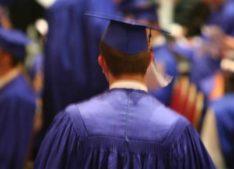 Candidați admiși cu media șapte la doctorat