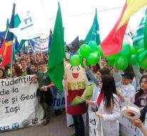 FEstudIS a adus din nou carnavalul în stradă