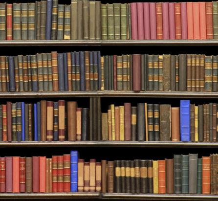 Birocrația ține în sertar diplome cu dublă acreditare