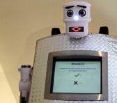 Robotul care binecuvîntează