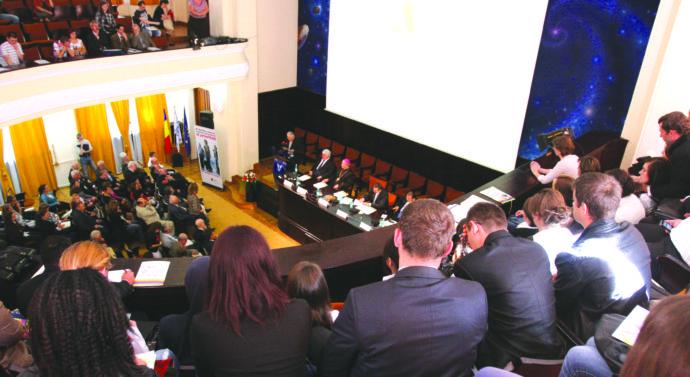 Securitatea europeană, pusă în discuție la Iași de reprezentanți ai NATO